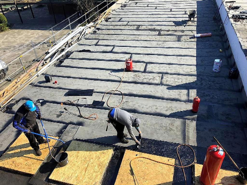 Holzbau Dwenger: Dachdeckerarbeiten